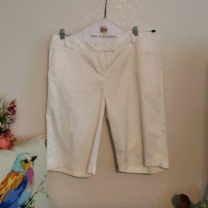 Swing Bette & Court White Shorts Size 14